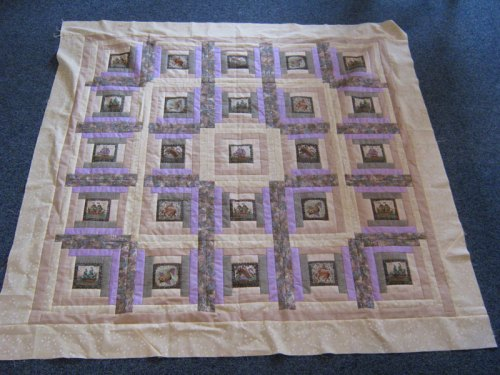 Courthouse Steps Meets Log Cabin quilt
