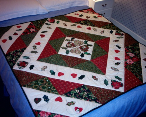 'Christmas quilt by Pat